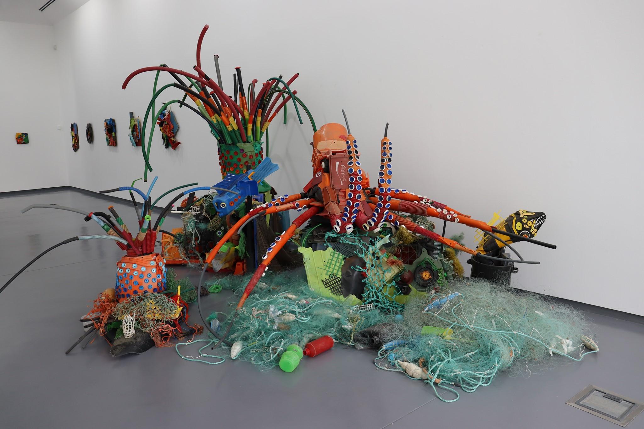 Exposição Monstros Marinhos patente no Centro de Artes